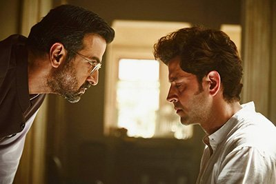 ronit roy and hrithik roshan in kaabil