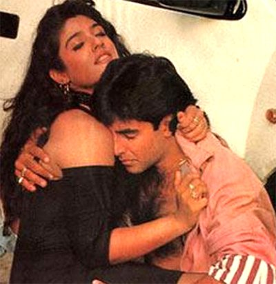 Akshay_Kumar_and_Raveena_Tandon.jpg