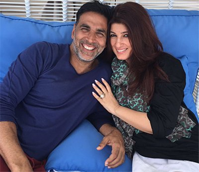 Akshay_Kumar_and_Twinkle_Khanna_In Happy_Moments_Twitter_akshaykumar.jpg