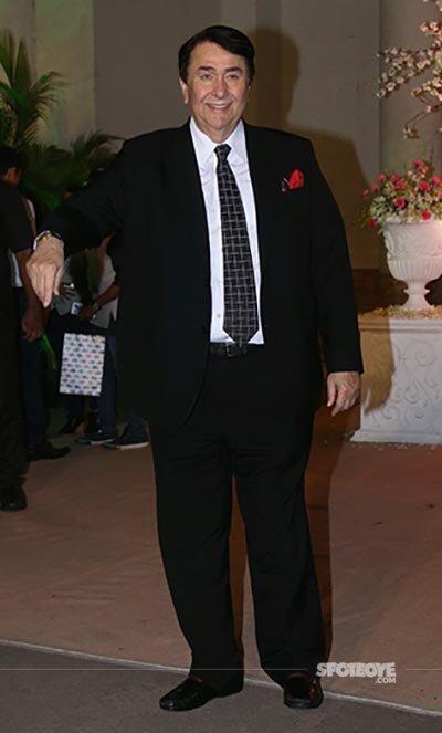 Randhir_Kapoor_at_a_wedding.jpg