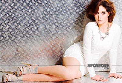 bigg Boss 10 contestant akanksha sharma hot images photo shoot