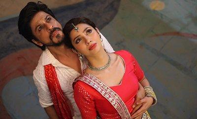 raees movie still featuring mahira