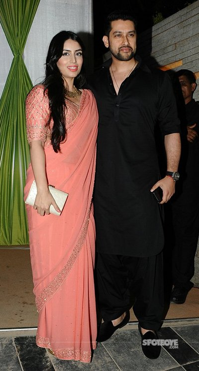 aftab shivdasani accompanied by wife nin dusanj at mandana karimis wedding