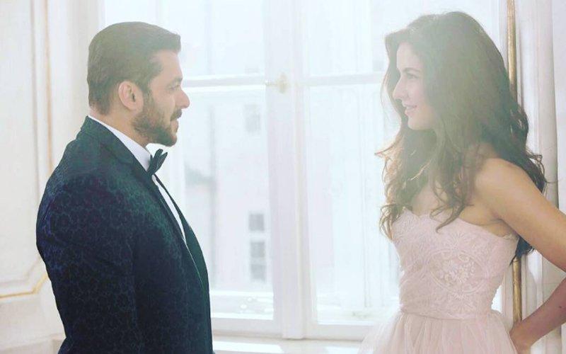 Salman Khan & Katrina Kaif Can't Take Their Eyes Off Each Other In Tiger Zinda Hai