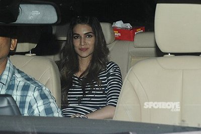 kriti sanon spotted at phillauri screening