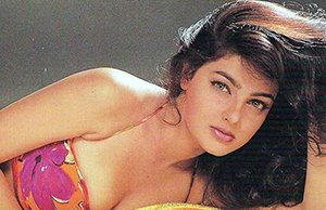 mamta kulkarni in pink bikini posing for the shutterbugs
