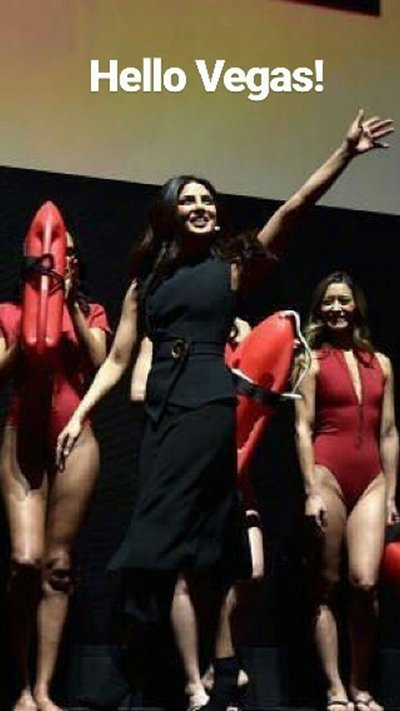 priyanka chopra waves to her fans in las vegas