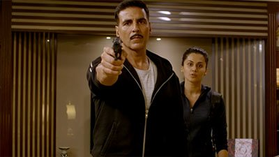 akshay kumar and taapsee pannu in a fight scene from naam shabana