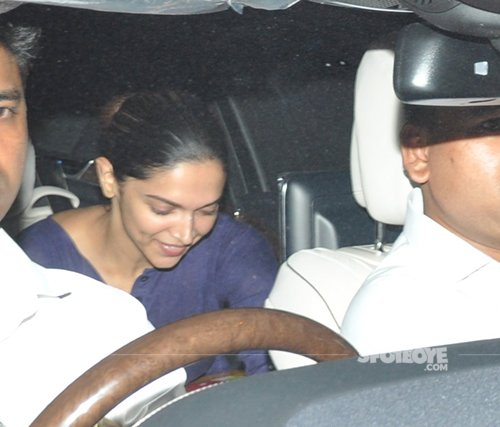 Deepika_padukone_seated_in_the_backseat_of_the_car.jpg