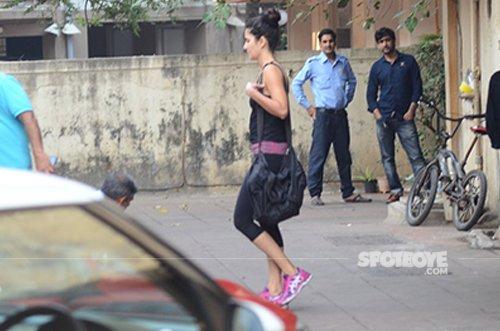 Katrina_kaif_snapped_post_workout_at_a_gym.jpg