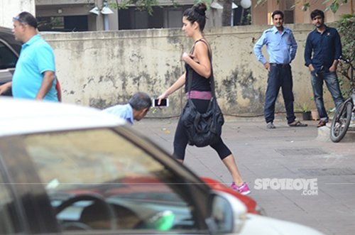 Katrina_kaif_is_working_out_at_a_gym.jpg