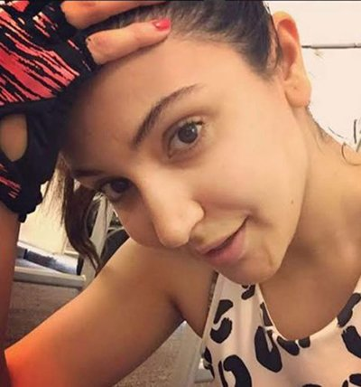 Anushka_Sharma_with_out_make_up_yet_looks_beautiful.jpg