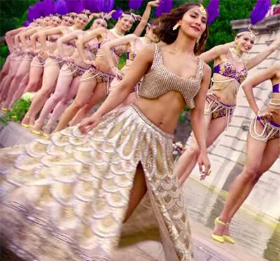Befikre latest song Khulke Dhulke Vani kapoor from the Befikre movie