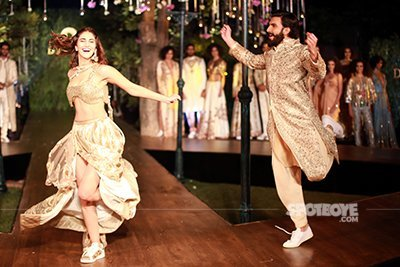 Ranveer_and_Vaani_were_walking_for_the_Di_vani_Fashion_show_at_French_Embassy_in_Paris