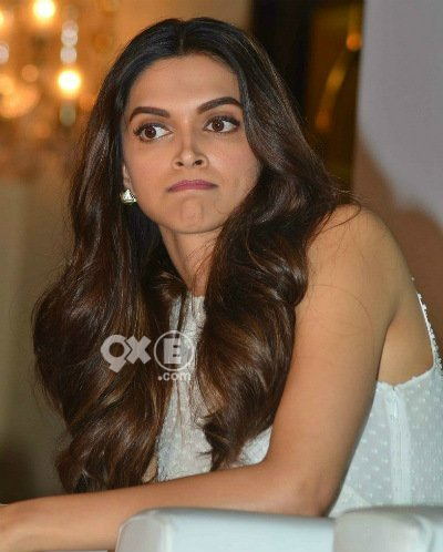 deepika padukone out at an event