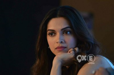 deepika s simple yet elegant look