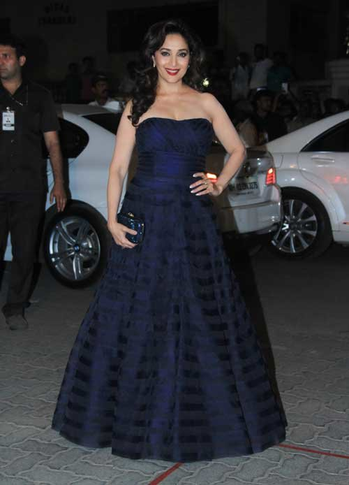 madhuri dixit at filmfare awards 2015