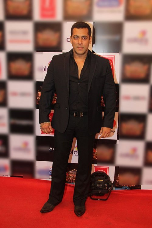 salman khan in all black suit at an musical event