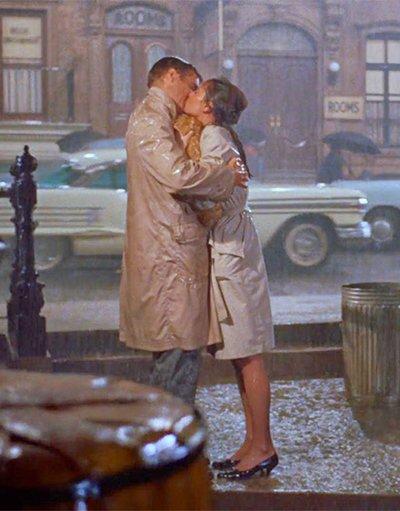 kiss scene in breakfast at tiffanys