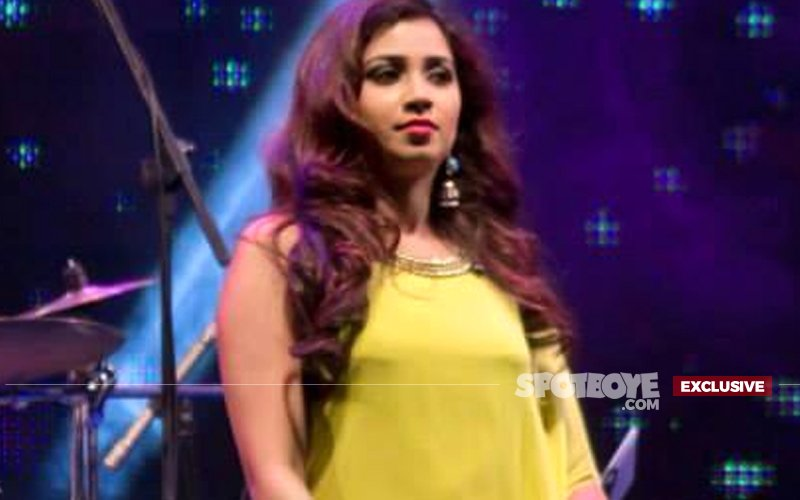 Not Singing For Supper Anymore: Shreya Ghoshal's Concerts Cancelled After Demonetization Leads To Low Ticket Sales