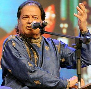 anup jalota singing a bhajan