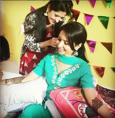 Sasural_Simar_Ka_actor_Dheeraj_Dhoopar_and_Itna_Karon_Na_Mujhe_Pyaar's_Vinny_Arora_Engagement.jpg