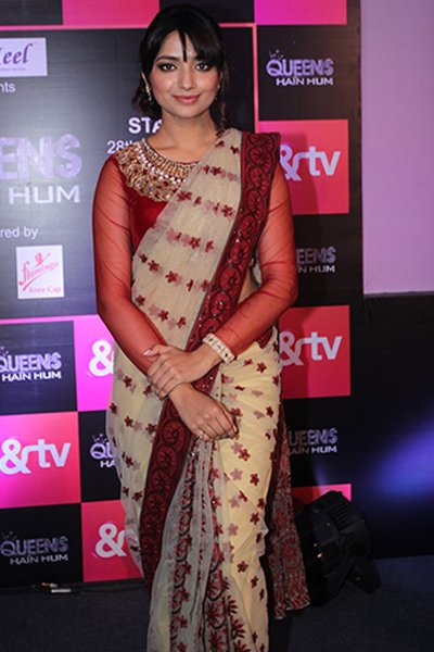 Jia_Shankar_aka_Shreya_Dixit_at_the_launch_of_Queens_Hai_Hum.jpg