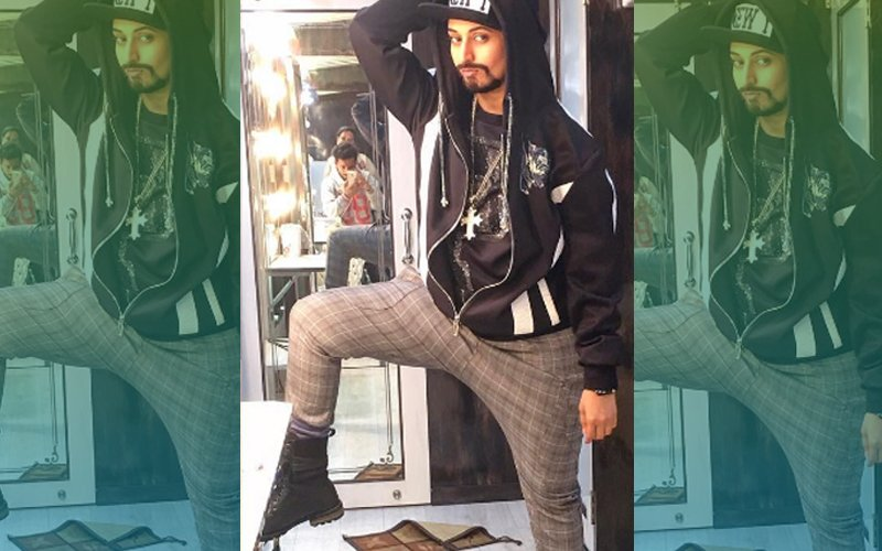 OMG: Why Has TV Queen Divyanka Tripathi Cross-Dressed As A Man?