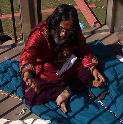 swami om hurt