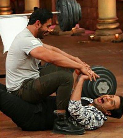 krushna abhishek and john abraham in comedy nights bachao