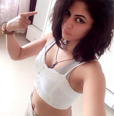 kavita kaushik hot pics