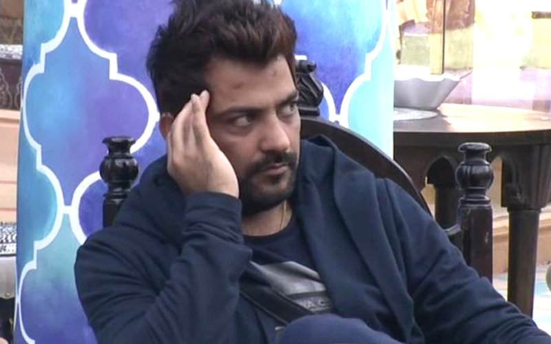 Bigg Boss 10: Manu Punjabi Quits The Show For Rs 10 Lakh
