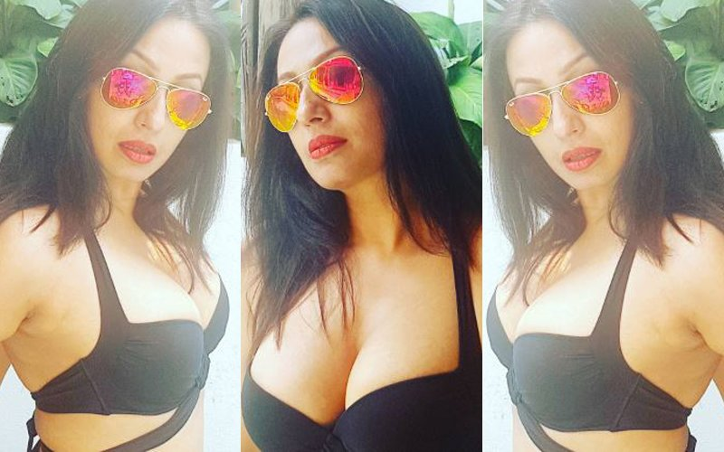 Kashmera Shah Lets It All Hang Out In A Plunging Bikini