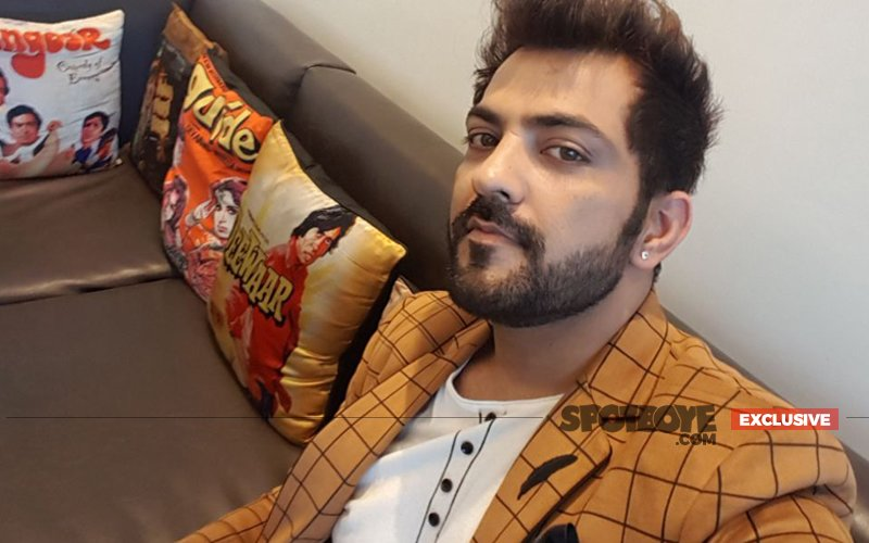 Guess Who Did Ex-Bigg Boss Contestant Manu Punjabi Have Coffee With?