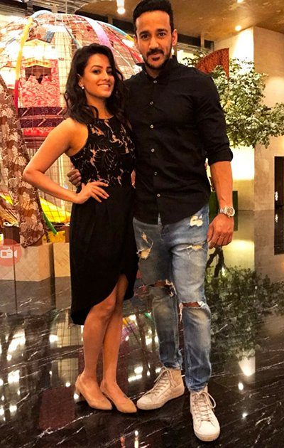 anita hassanandani and husband rohit reddy on his birthday