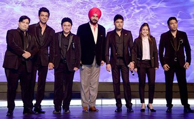 kapil sharma with the star cast of the kapil sharma show