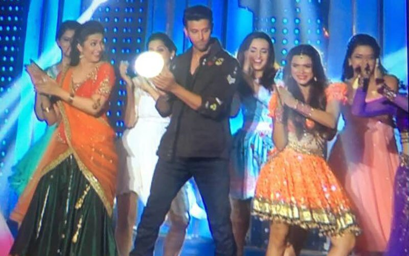 IN PICS: Hrithik Roshan Is The First Celebrity Judge On Nach Baliye 8