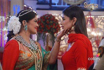 Sudha Chandran and  Mouni Roy In Naagin 2 Episode.jpg