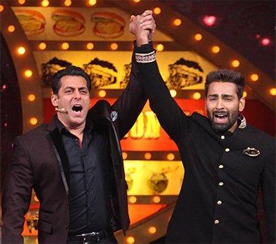 salman khan and bigg boss winner manveer gurjar