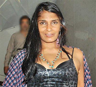 Anu Agarwal Nude Photos 13