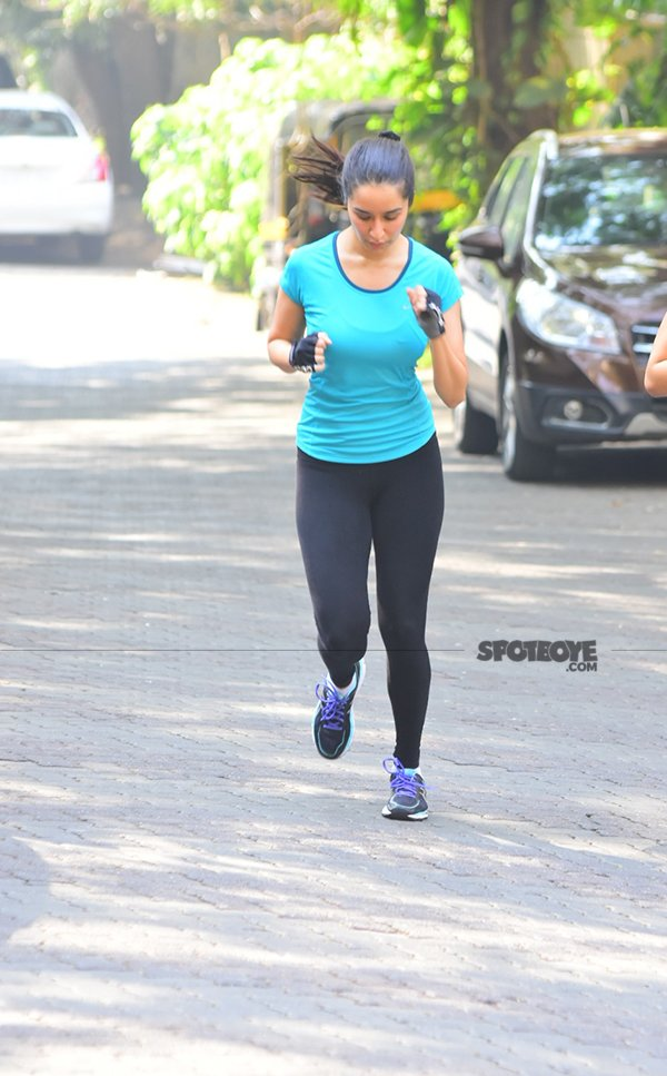 the actress put her best foot forward for the run