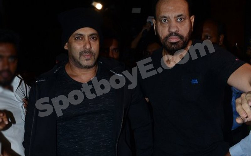Salman spotted at airport leaving for IIFA 2016
