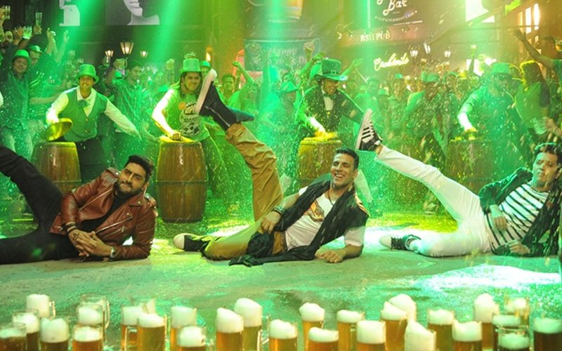 Tang Uthake song from Housefull 3 out