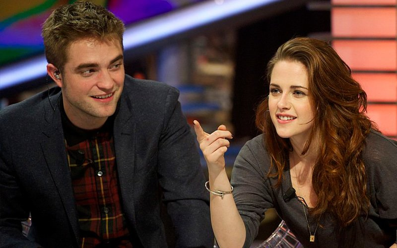 We reveal all about Kristen's coffee date with ex-boyfriend Robert Pattinson
