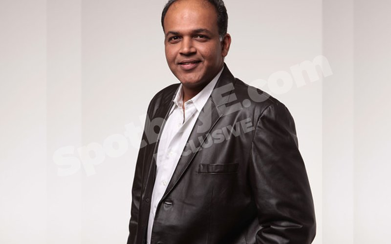 Ashutosh Gowariker to face camera after 18 years
