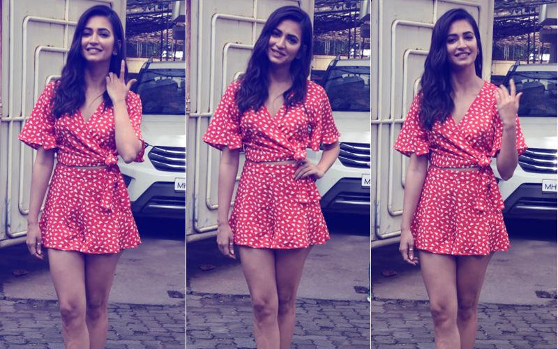 Kriti Kharbanda Looks Smoking Hot In Red Mini Dress At Yamla Pagla Deewana Phir Se Screening