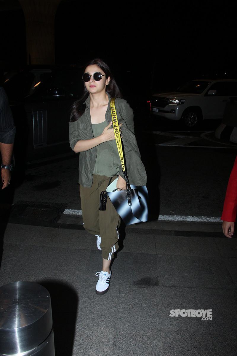 Alia Bhatt Walking Inside The Airport