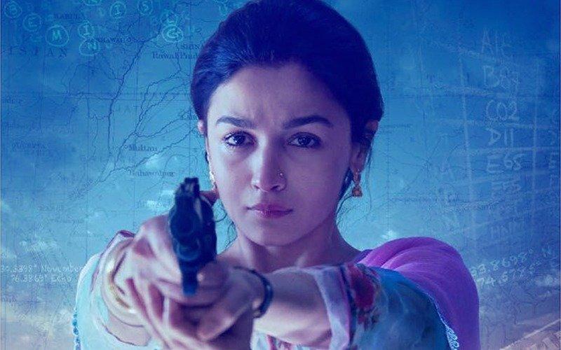 फिल्म 'राज़ी' का दमदार ट्रेलर हुआ रिलीज़; आलिया भट्ट मासूम सा दिखने वाला शातिर किरदार आपके रोंगटे खड़े कर देगा