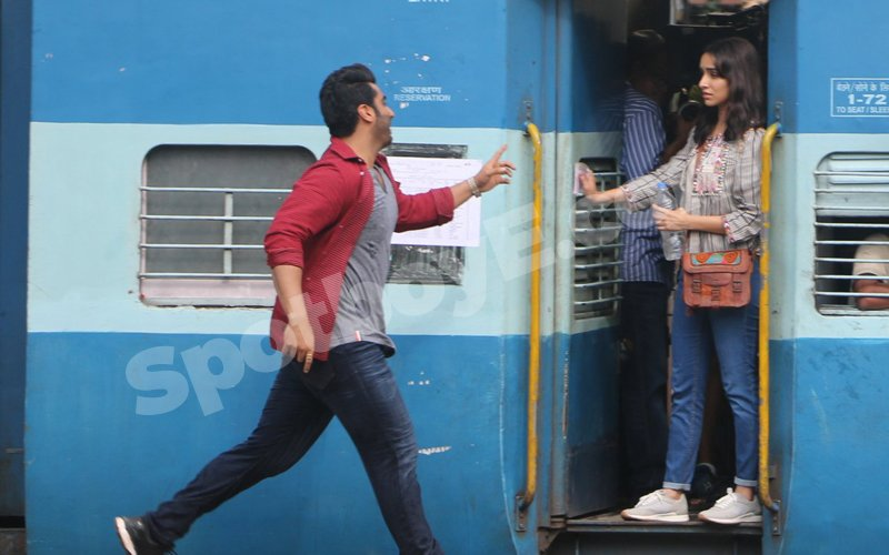 Arjun Kapoor And Shraddha Kapoor Relive The DDLJ Moments!