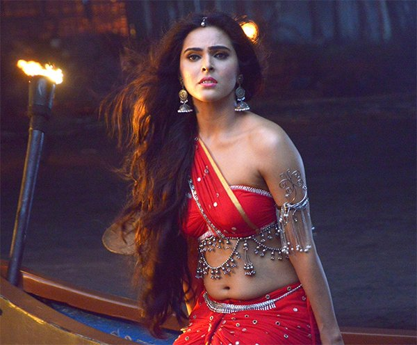 Madhurima Tuli As Chandrakanta
